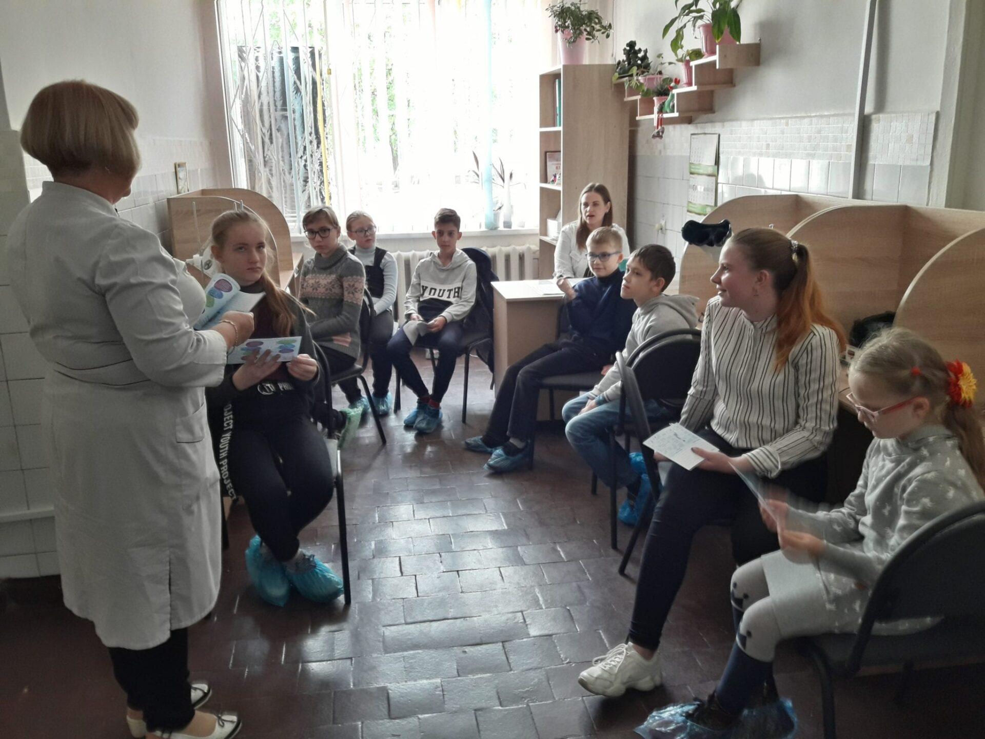 Фахівцівідділення відновного лікування провели заняття з дітьми з нагоди Всесвітнього дня зору Міська дитяча лікарня №5 детская больница Запорожье